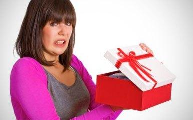 woman-bad-gift